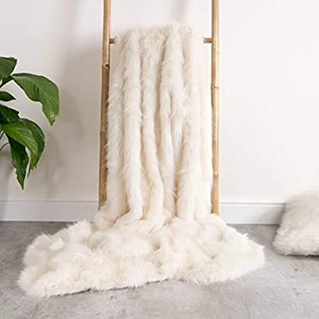 ICON Luxury Faux Fur Throw - Soft Extra Large Luxurious Throws for Living  Room Sofa Blanket