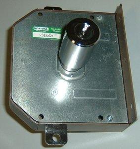 Cerradura de seguridad Mottura Art. 631 con triple pompa-cilindro 70 mm derecha completa de barras: Amazon.es: Bricolaje y herramientas