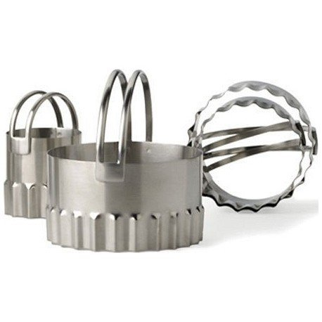RSVP Stainless Steel Round Biscuit Cutters with Fluted Edge, Set of 4 (Round Fluted)