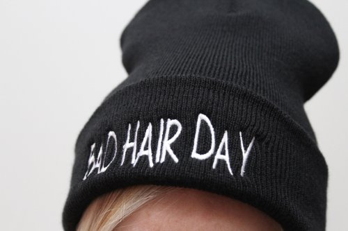 TeeIsland Bad Hair Day Beanie Hat  Amazon.co.uk  Clothing 6d62c9c1561