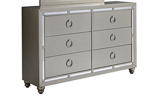 Global Furniture 1621 Riley Dresser, Silver