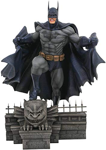 DIAMOND SELECT TOYS DC Gallery: Batman PVC Figure