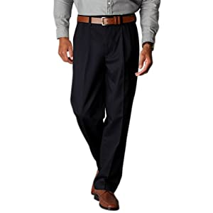 Dockers Men's Relaxed Fit Stretch Signature Khaki Pant-Pleated D4