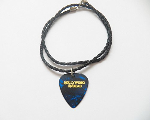 Hollywood Jewellery Costumes (HOLLYWOOD UNDEAD guitar pick plectrum braided twist LEATHER NECKLACE 20