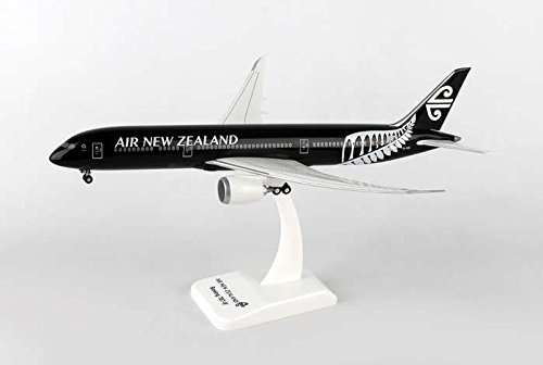 hg0687g-hogan-air-new-zealand-787-9-1200-model-airplane-w-gear-flexed-wings
