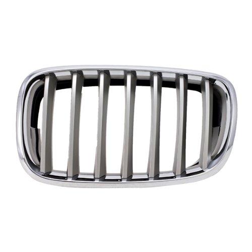 CarPartsDepot, Front Chrome Plastic Outer Frame Silver Vertical Grille Insert Right (Passenger Side) Grill Assembly, 400-121622-02 BM1200183 51137185224
