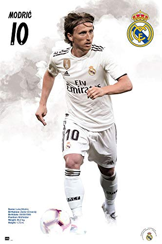 e540225aa81 Real Madrid - Soccer Poster (Luka Modric - Player of The Year 2018 - in  Action - Season 2018 2019) (Size  24