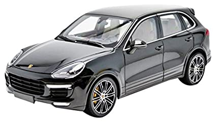 Minichamps 2014 Porsche Cayenne Turbo S, metallic black