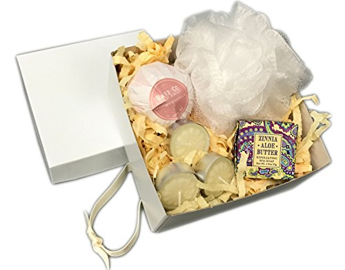 Spa for a Day Bath in a Gift Box Set Includes Barr Bath Bomb, Bath Pouf, Specialty Soap and Aromatherapy Candles (Honeysuckle)