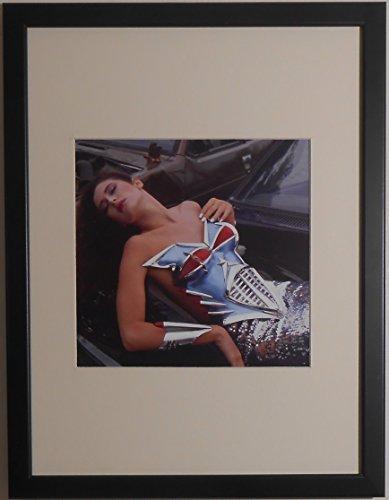 Montado y enmarcado–Erotic Fashion fotografía imagen–30cms x 40cms por Affordable Art