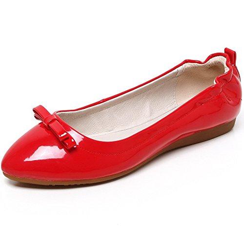 AllhqFashion Damen Rein PU Leder Niedriger Absatz Ziehen auf Flache Schuhe Rot