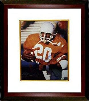 54a2e0cd Earl Campbell Autographed Picture - 16x20 HT 77 Heisman Custom Framed  Custom Framed - Autographed College