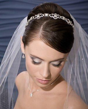 4a354b6f32 Amazon.com : Bel Aire Bridal Veil - Cathedral Veil V8754 : Decorative Hair  Combs : Beauty