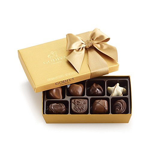 Godiva Chocolatier Signature Chocolaete Basket with Classic Ribbon, 7 Chocolate Gifts