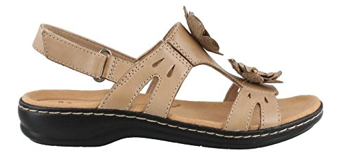 (CLARKS Women's Leisa Claytin Flat Sandal Sand Leather 9 M US)
