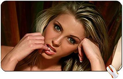 Las mujeres Denisa brazdova caras dedos boca Gran alfombrilla ...