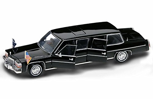 (1983 Cadillac Presidential Limousine - Road Signature 24098 - 1/24 Scale Diecast Model Toy Car)