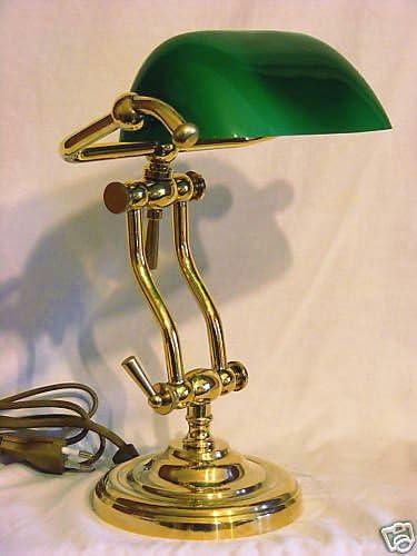 Lampada Da Tavolo Ministeriale Vetro Verde In Ottone Made In Italy Amazon It Illuminazione