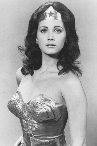 Lynda Carter as Wonder Woman in Wonder Woman 11x17 Mini Poster a Stunning Pose! by Silverscreen