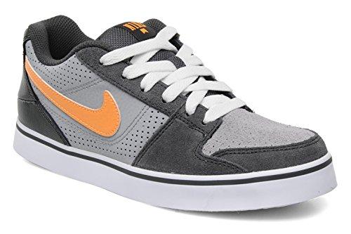 Nike Ruckus Low Sneaker Kinder
