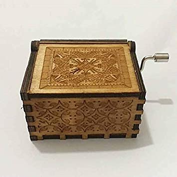 Cajas de música – Caja de música antigua tallada con temática de juego de tronos Harry Potter Star Wars manivela de mano de madera – Italiano Kids Lullaby World On Sherlock Love