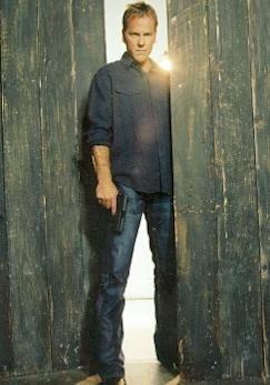 Kiefer Sutherland trading card 24 #1 2005 Jack Bauer CTU Gun