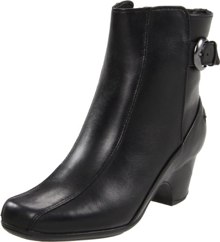 Clarks Women's Dara 3 Boot,Black Leather,6 W US