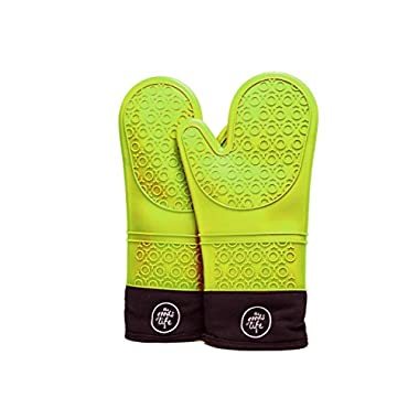 TheGoodsLife Silicone Oven Mitts · Color Green - Heat Resistant Kitchen Grilling Gloves with Soft Quilted Liner · Easy to Clean · Free Oven Recipe E-book
