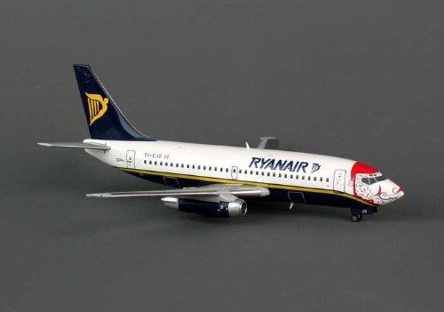 jcwings-ryanair-737-200-1-200-santa-clause-regei-cjd