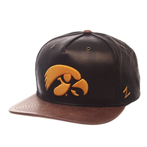ZHATS NCAA Iowa Hawkeyes Adult Men Tribute Heritage Collection Hat, Adjustable, Team Color/Cracked Leather (Hawkeyes Brown Football Iowa)