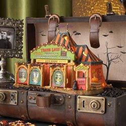 Department 56 House TRAVIS LOUIES WORLD OF OTHERWOR Ceramic Halloween 4025338]()