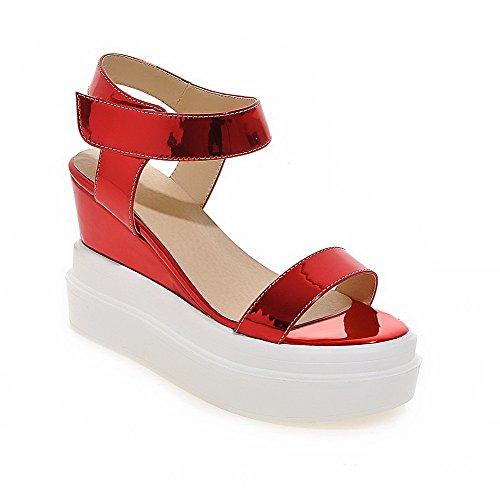 AgooLar Mujeres Microfibra Sólido Velcro Puntera Abierta Plataforma Sandalia Rojo