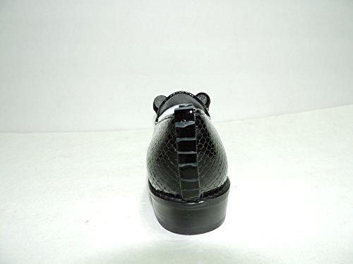 Stuart Weitzman Mujeres Atabow Negro Crystal Serpiente Tuxedo Loafer Tamaño 7 Aa, (estrecho)