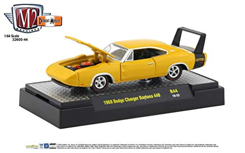 (M2 Machines 1:64 Detroit Muscle Release 44 1969 Dodge Charger 440 Yellow)