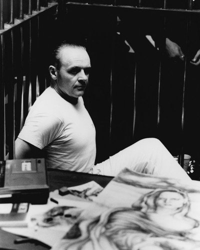 Anthony Hopkins in The Silence of the Lambs Hannibal Lecter in cell Clarice drawing 8x10 Promotional Photograph