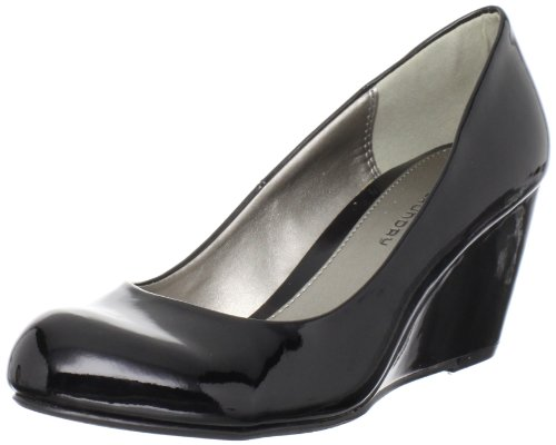 Cl by Chinese Laundry Women's Nima Wedge Pump, Black Patent, 6 M US ()