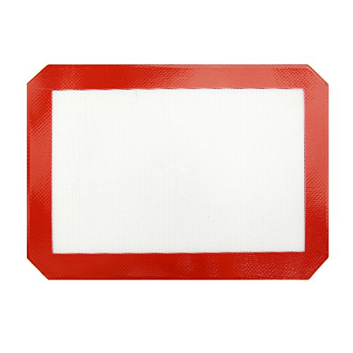 New Star Foodservice 36640 Commercial Grade Silicone Baking Mat with Non-Stick Pan Liner, Quarter Size, 8 inch x 12 inch (Pack of 12)