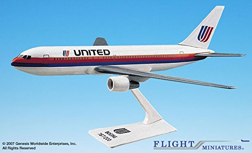 United Airlines Boeing 767 - 8