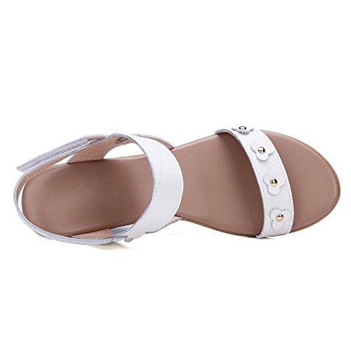 AllhqFashion Mujeres Sólido Velcro Puntera Abierta Sandalia de Cuña con Metal Blanco