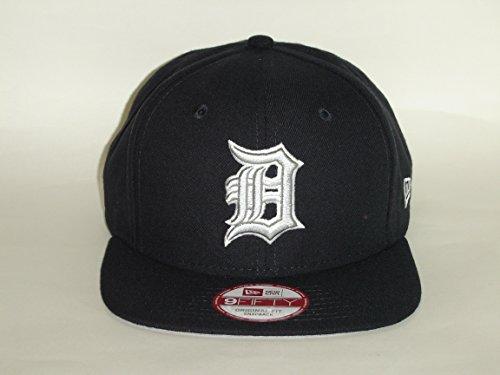 check out a3d87 652e2 Amazon.com   New Era 9Fifty MLB Detroit Tigers Team logo Snapback Cap NewEra    Clothing