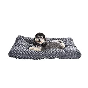 Amazon Basics Plush Dog Pet Bed Pad