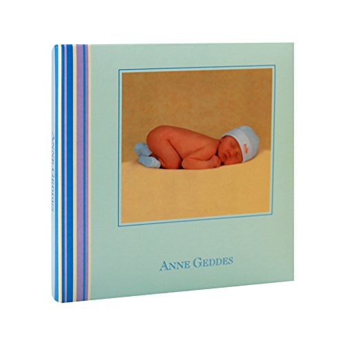 Album Photo Bébé à pochettes Nursery Room Bleu pour 24 photos 10x15 cm, pages illustrées, espace pour écrire les commentaires,Dimensions : 18.30x18.30 cm, existe aussi en rose BREPOLS