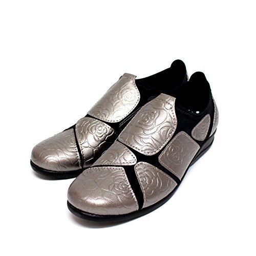 ストレッチシューズ レディース コンフォートシューズ 履きやすい 外反母趾 靴 花柄型押し SC1824 シルバー
