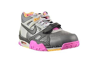 newest 2b1eb e5882 Amazon.com   Nike Air Trainer III 3 PRM QS BO Knows Horse Racing Men s Shoes  Dark Grey Black-Wolf Grey-Club Pink 682933-001 (8.5 D(M) US)   Basketball