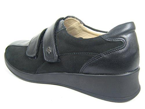 Finn Comfort Zapatilla de Nairobi Negro/Nubuck de napa, color negro, talla 2 1/2 negro