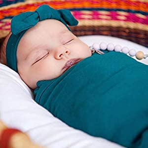 embé 2-Way Starter Swaddle Blanket, 5-14 lbs, Diaper Change w/o Unswaddling, Legs in and Out Design, Warm Up or Cool Down 100% Cotton, 0-3 Months (Spruce)