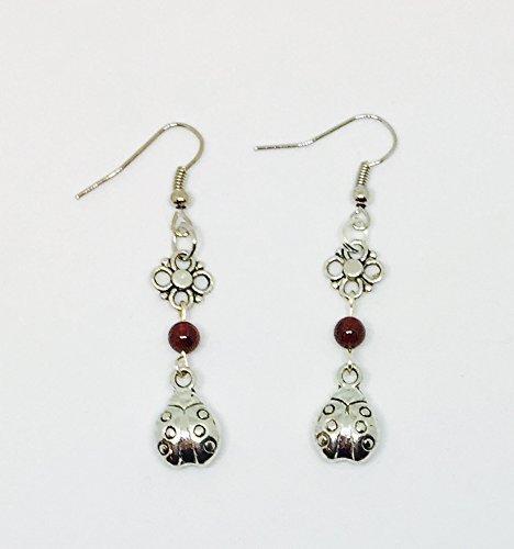 Ladybug Garnet Earrings//Ladybug Earrings//Garnet Earrings//Flower Earrings//January Birthstone Earrings//Gemstone Earrings