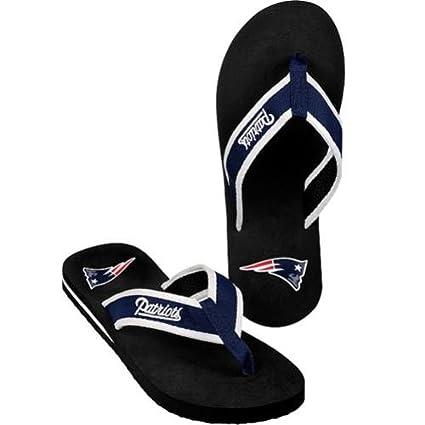 084a37b33dc1 Amazon.com   NFL Men s New England Patriots Contour Flip Flops (Small)    Sports Fan Socks   Sports   Outdoors