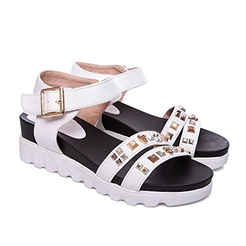AmoonyFashion Womens Buckle Kitten Heels Pu Solid Open Toe Sandals with Studded Rivet White 2aNtL