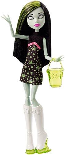 Monster High Ghoul Fair Scarah Screams Doll ()